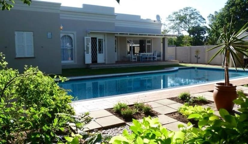 HomeTree Self Catering Guest House - Port Elizabeth