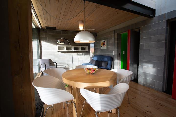 Garden flat in a design villa