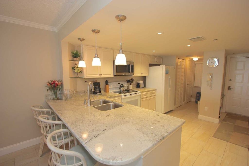 Fully Equipped Kitchen for Meals large and Small/Breakfast Bar with Seating for 3
