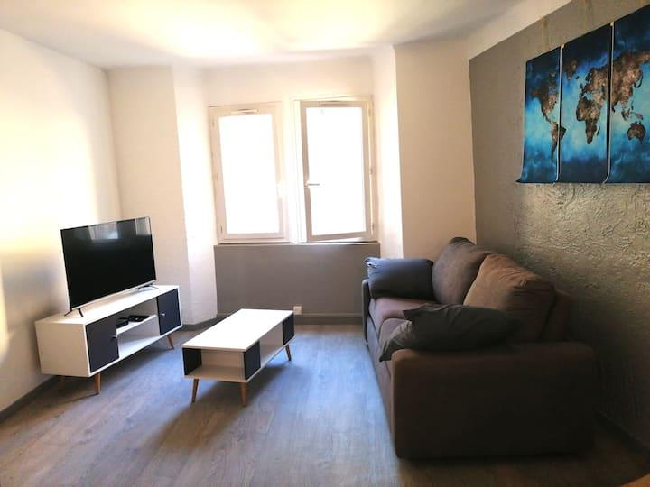 Le Luc: Grand T2 50 m² refait à neuf