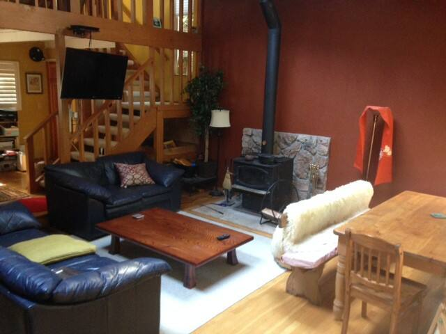 Beautiful home with private in-law quarters. - Scotts Valley - Bed & Breakfast