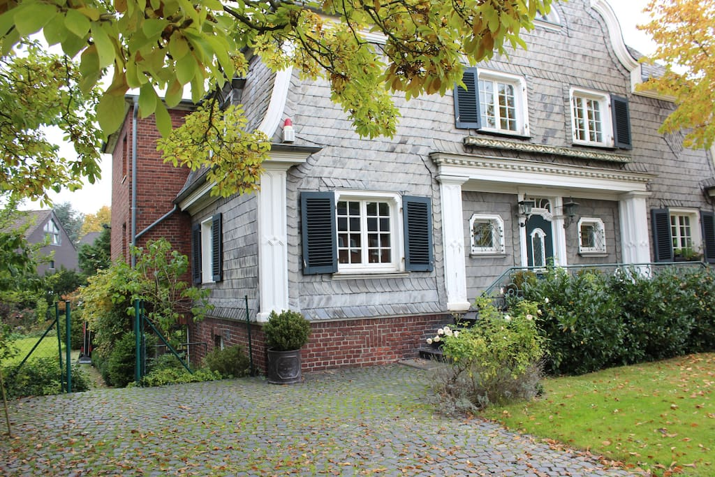 Cosy home close to duesseldorf maisons louer for Baden baden allemagne maison close