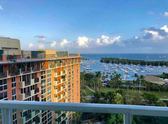 Unbelievable Water Views, Spacious