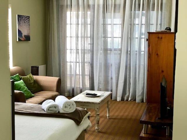 401 Holyrood Apartment