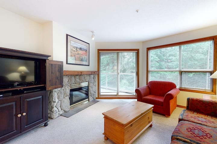 Warm second floor condo w/ ski-in/ski-out access, balcony, & shared pool/hot tub