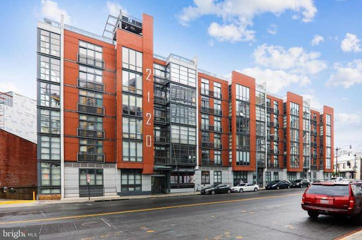 Sleek condo in the heart of U Street Corridor!
