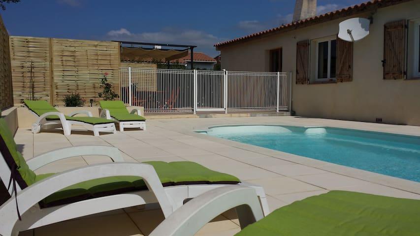 Villa 4 chambres et piscine près du canal du midi - Paraza - บ้าน