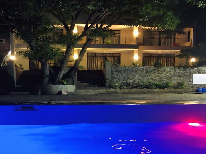 Bentrina Diving Resort - King Sized Bed