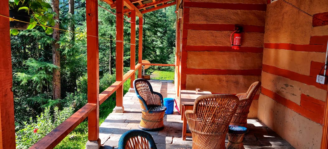 A Quaint Cottage In The Forest|Local Cuisine|WiFi