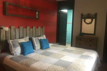 Modern luxury room - San Lucas Sacatepéquez - アパート