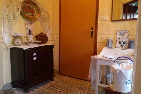 Apartmani Bakine Čarolije ( Grandmas Magic) - Karanac - Apartemen