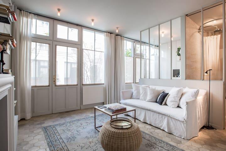 Splendid Artist Apartment Paris VI