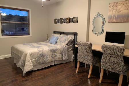 Private spacious room near Fort Leonard Wood