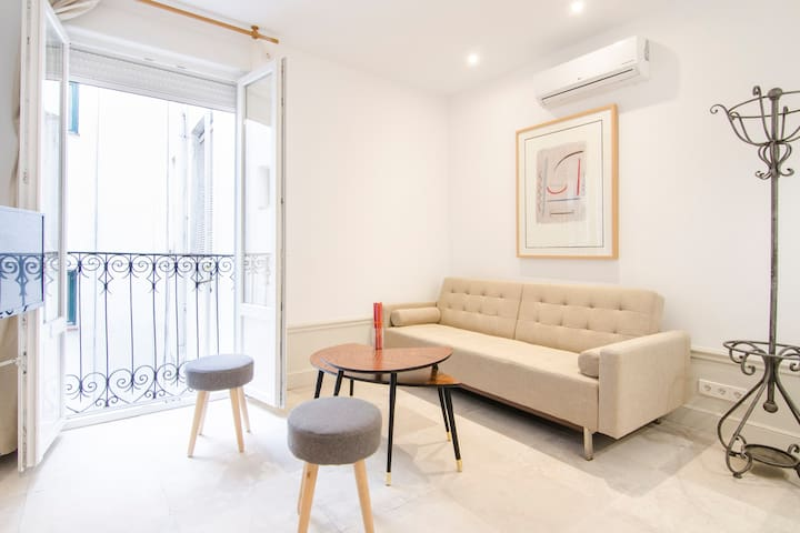 Cute & brand-new 1BD apartment - MALASAÑA/CHUECA R