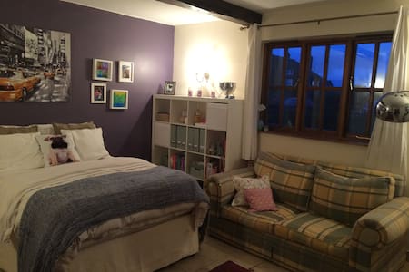 Large double rooms en-suite - Ridleywood