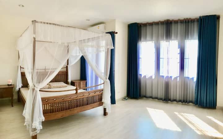 清迈2层别墅整栋出租,(游学夏令营)近国际学校、奥特莱斯、夜间动物园