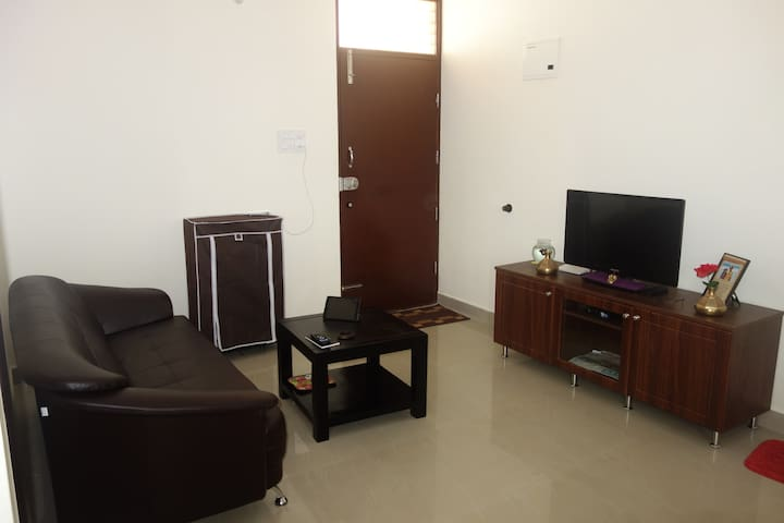 Private room with attached bath - Mysore - Apartment