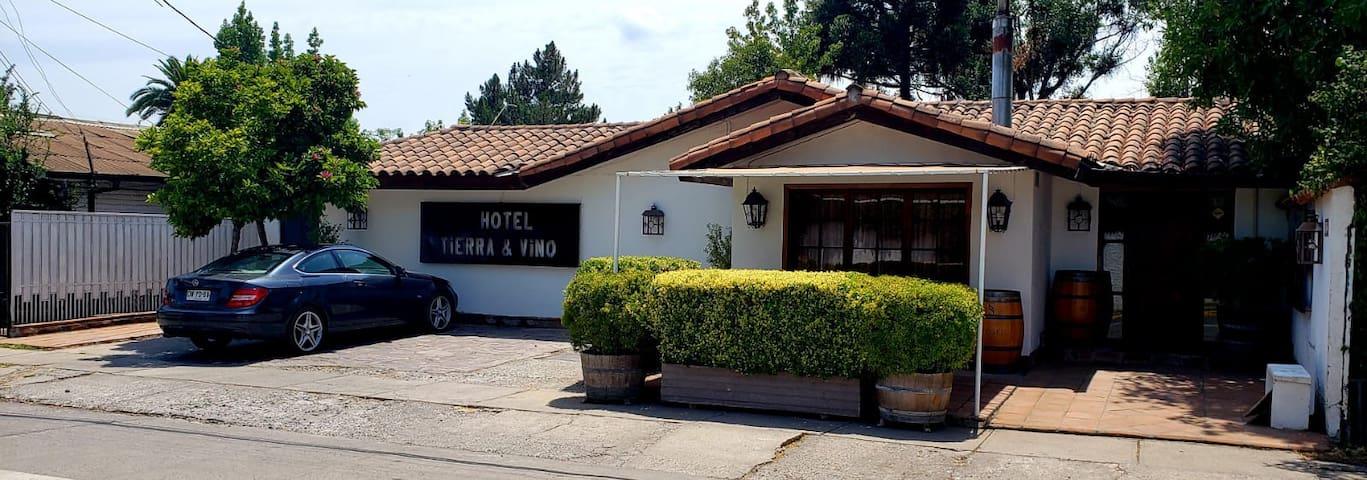 Hotel Tierra y Vino. Wines, Bed and Breakfast 3