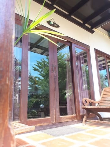 Niracha chaweng house resort