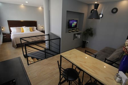 HERMOSO LOFT. Parking. CÉNTRICO