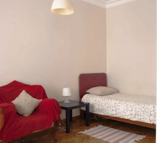 Bedroom,Air Conditioner, Modern,Historic With WiFi