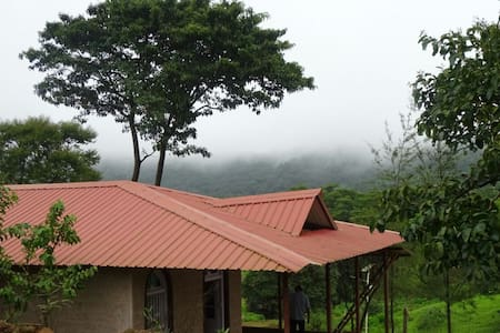 ACHREKAR  FARM  HOUSE, AMBA (MTDC APPROVED)