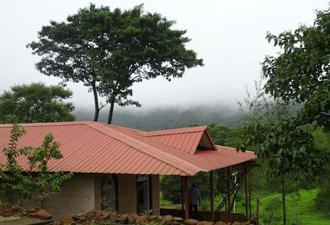 ACHREKAR  FARM  HOUSE, AMBA (MTDC APPROVED)