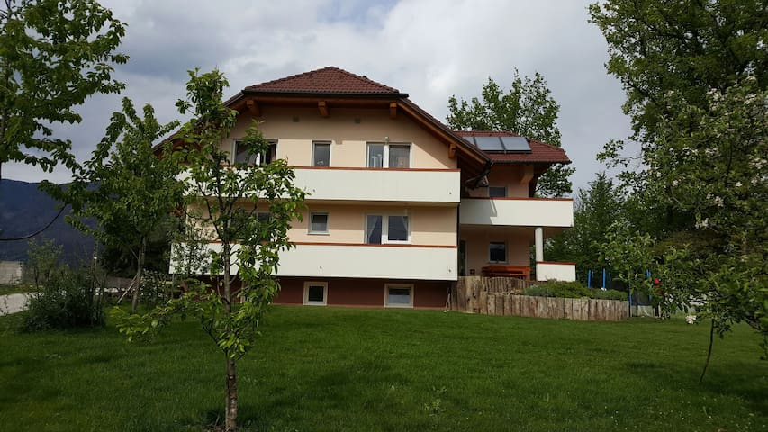 Beautiful apartment- amazing view, 10 min to Bled - Črnivec - Wohnung