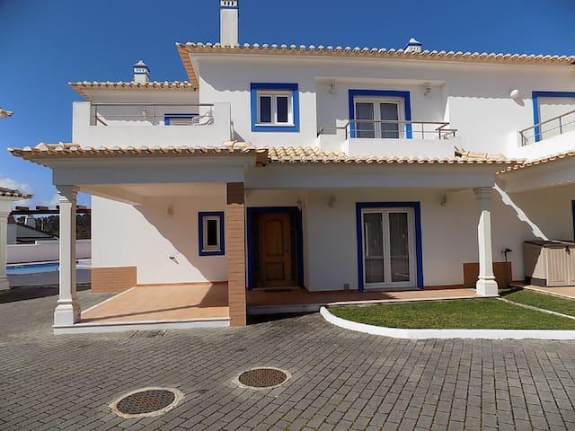 3 Bedroom Villa in Foz Do Arelho/ Obidos lagoon - Foz do Arelho - Casa
