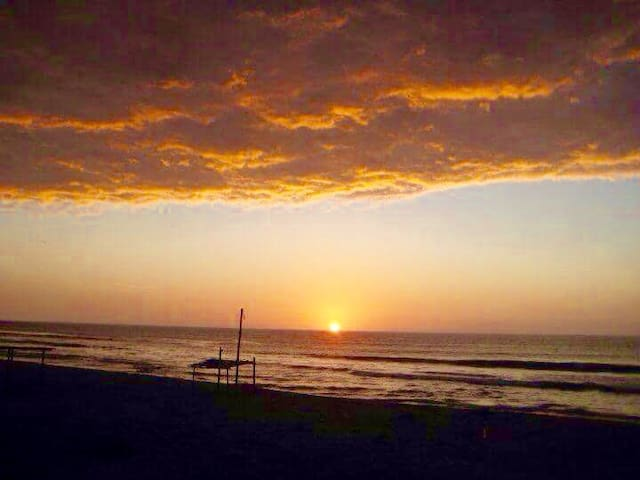 Sunset Frente al mar