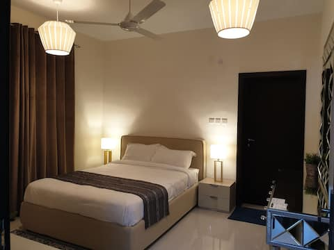 LUX| Modern style 3 BHK by Muscat RoYal Suites