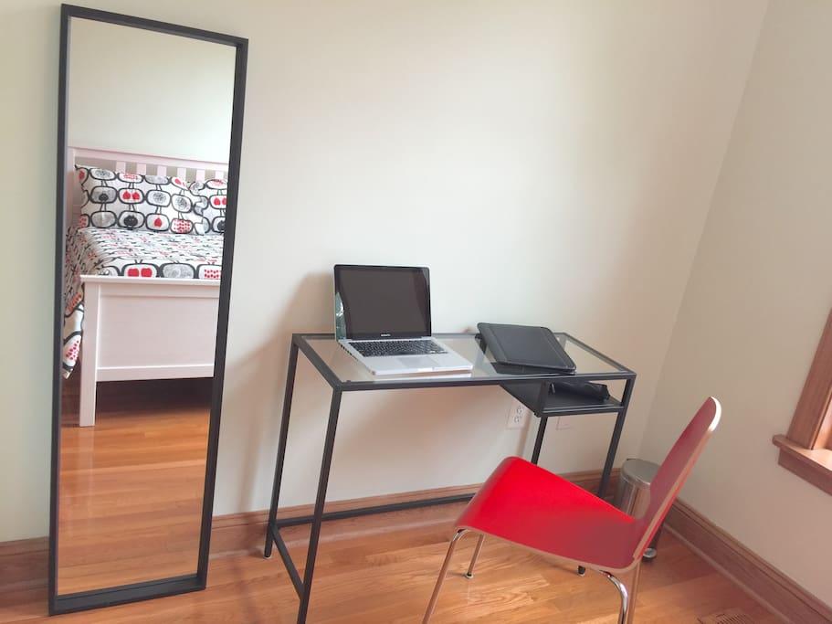 Red Room workspace is perfect for professionals and business travelers
