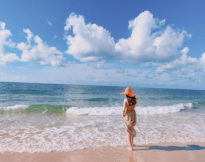 LUXURY SEALINK VILLA WITH PRIVATE BEACH & GOLF