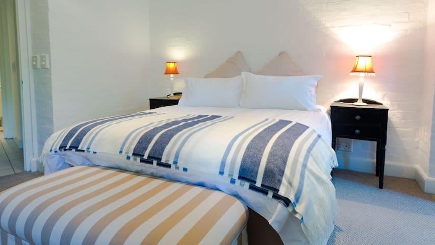 Main Bedroom. Brand new comfortable queen size bed.