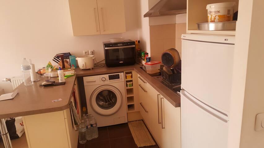 Chambre sympa dans un appartement calme