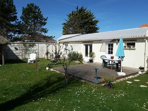 Charming house Cosy 80m from the beach,bike-ready