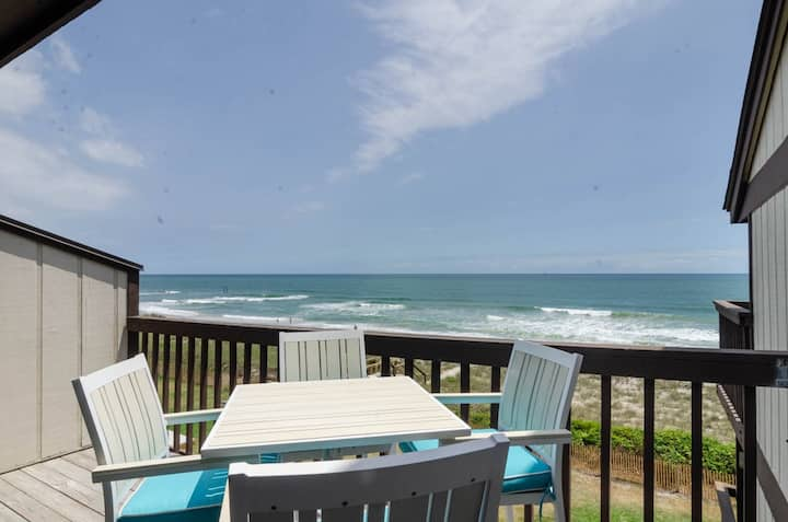 Sol Mate-Paradise waits in this Oceanfront Condo, don't delay, book now!!