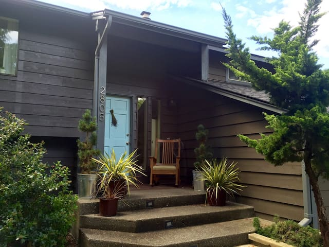 Gorgeous water view home - Bellingham - Huis