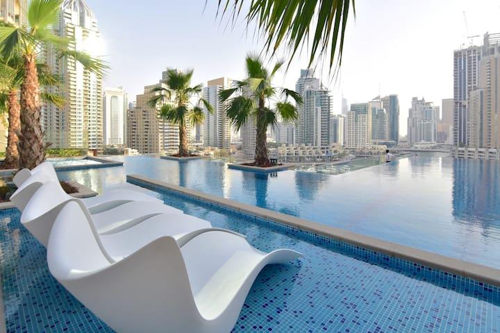 Luxurious 2 BDR with Marina Views