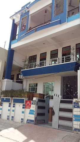 2BHK GARG HOUSE INDEPENDENT FLOOR(SECOND FLOOR)