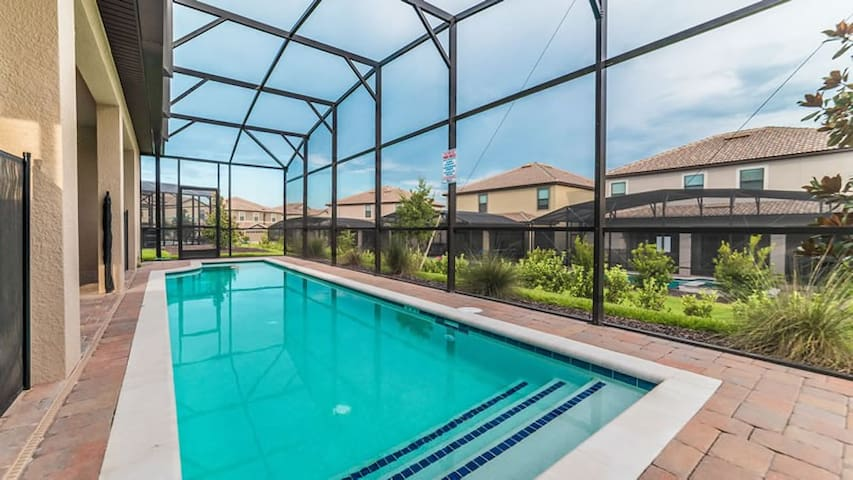 6 Bedroom Home POOL Gameroom close to Disney Golf - Kissimmee - House