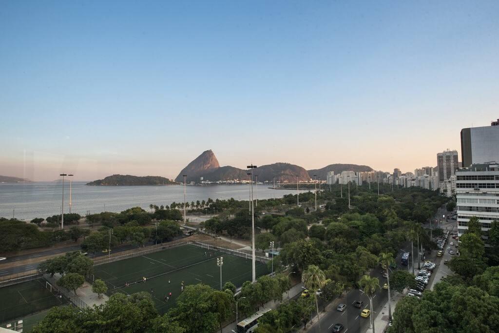 Praia do Flamengo 4 min distância / Flamengo beach 4 min walking distance