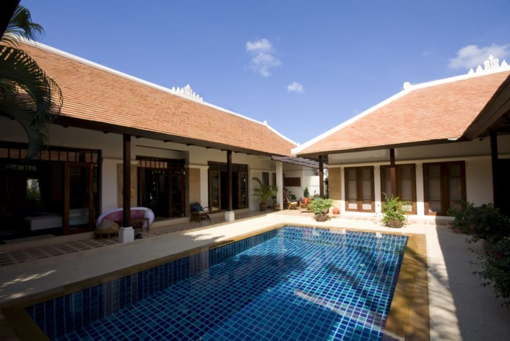 The pool is very private surrounded on 3 sides by the bedrooms and lounge/dining area. The sun shines on the pool all day keeping it nice and warm.