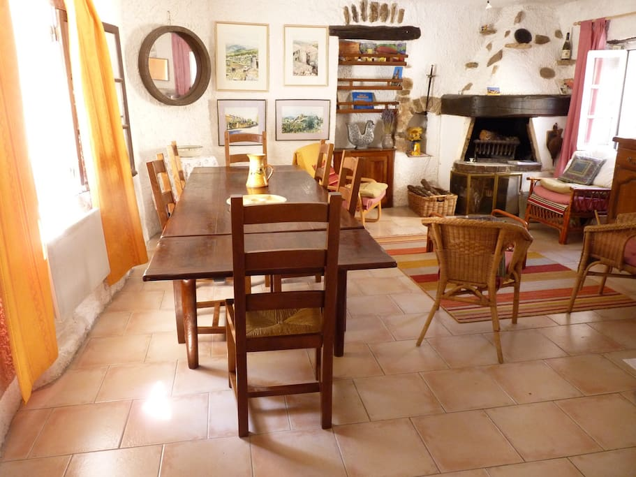 Convivial dining room--bright in summer and cosy in winter. Can seat up to 6 very comfortably with table extentions. En suit to kitchen for a nice 'get together'  feel.