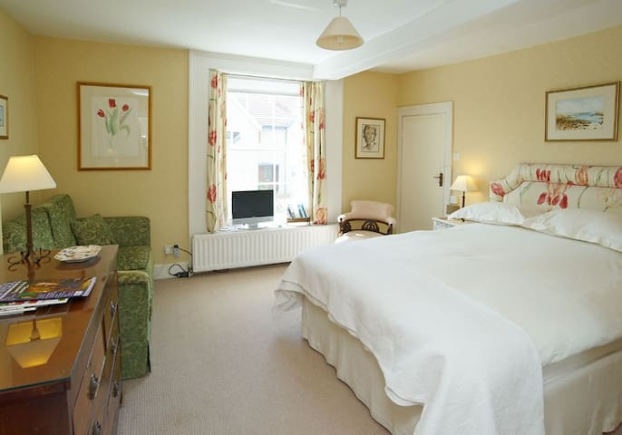 Castleton House Bed and Breakfast, double room