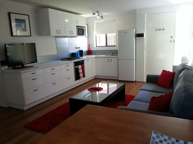 Modern Living in Leederville  - Perth - Flat