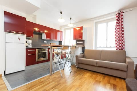 Le logement a été bien décrit, il est chaleureux, moderne et agréable !