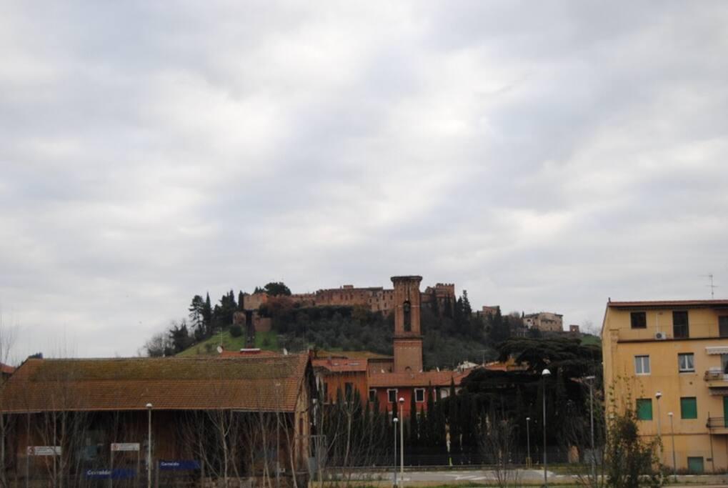 vista di Certaldo alto dalla terrazza dell'appartamento