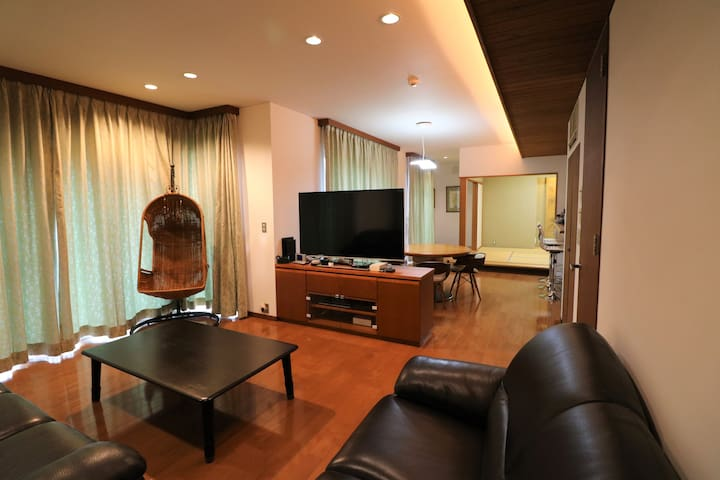 熱海のデザイナーズ貸切別荘
