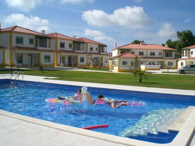 Beach & Pool? Casa Branco!